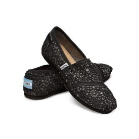 Toms Youth Black Crochet Classic Shoe Thumbnail